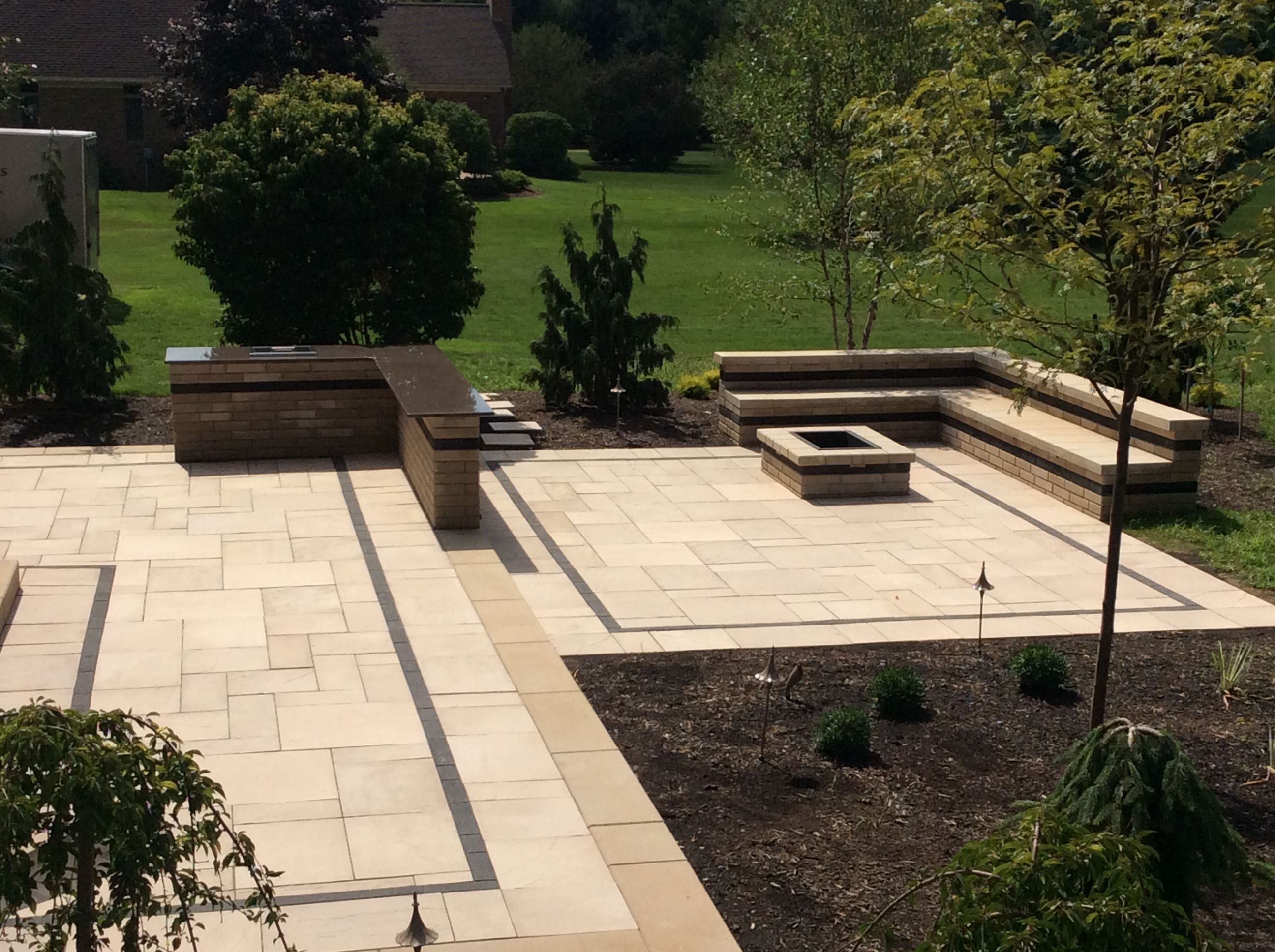 1,100sf Two Tiered Paver Patio With 10ft Long Bar, Drop In Cooler,  Rectangular