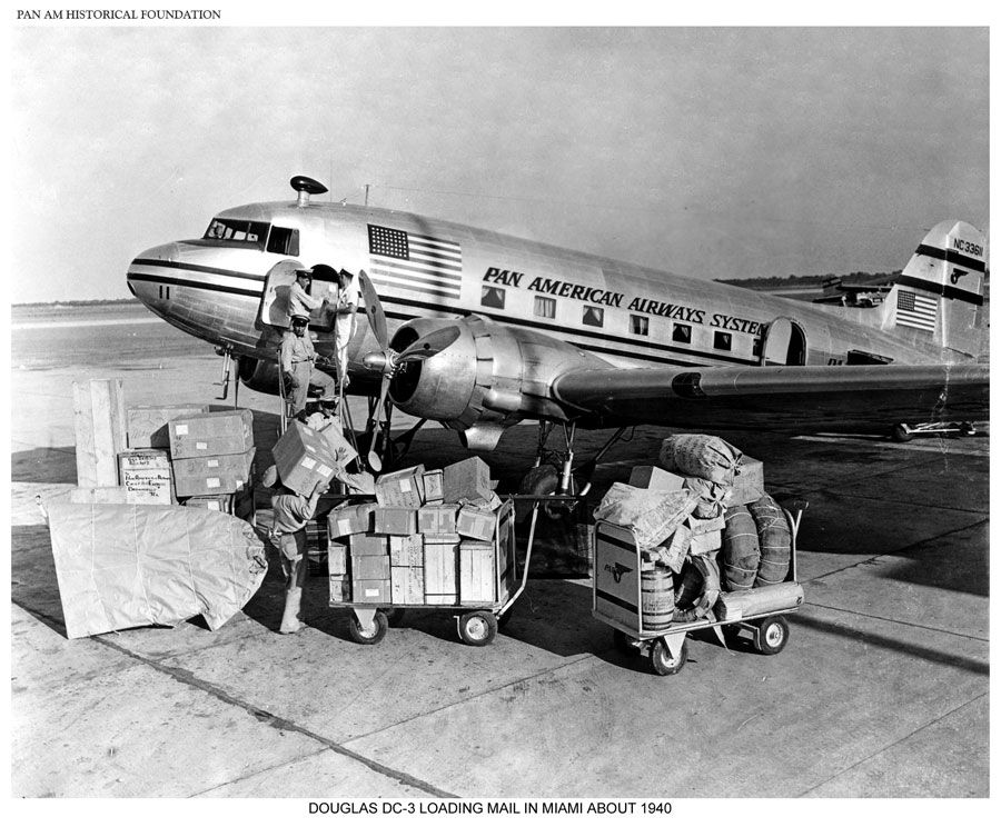 Pan Am DC 3 loading cargo in Miami 1940