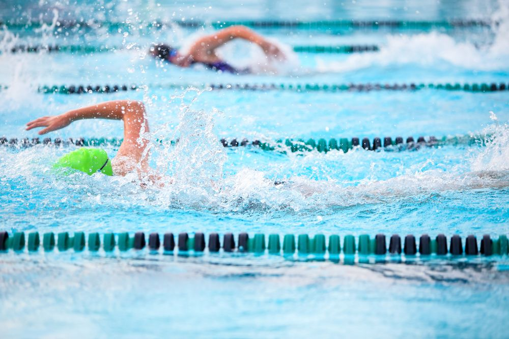 how to train to be a long distance swimmer