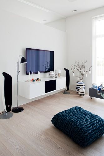 The perfect tv stero console system! Unnu is the name hifi and