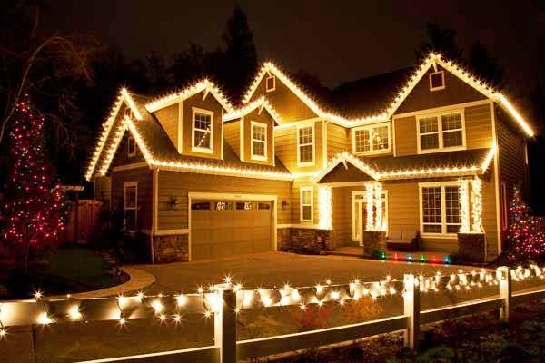 Beautiful Led Christmas Lights On Houses In Canada 2013