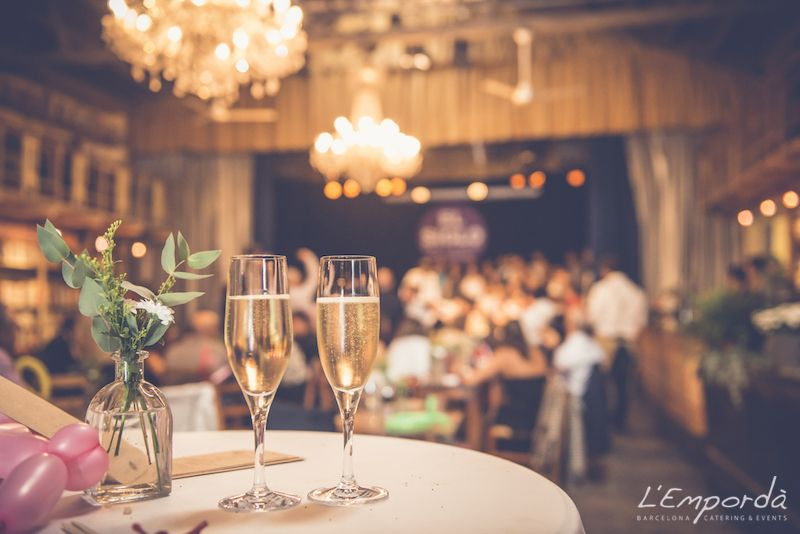 Boda en El Siglo, Mercantic - Catering l'Empordà - #wedding #boda #catering #cateringlemporda #libreria #bohemia