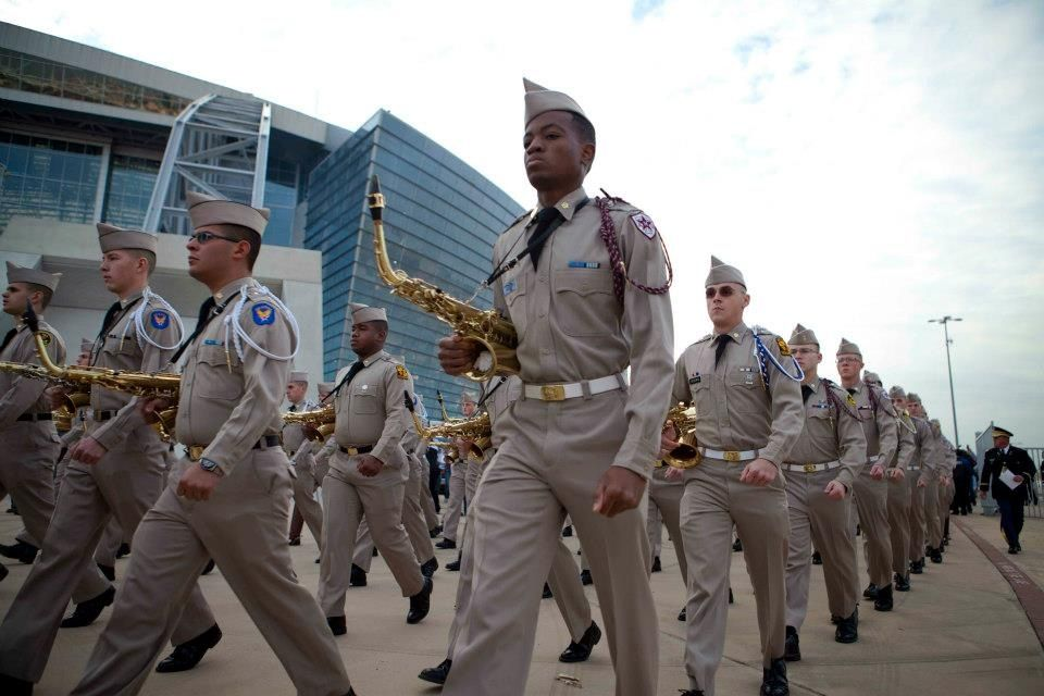 The Fightin' Texas Aggie Band marches into Cowboys Stadium 1/4/2013