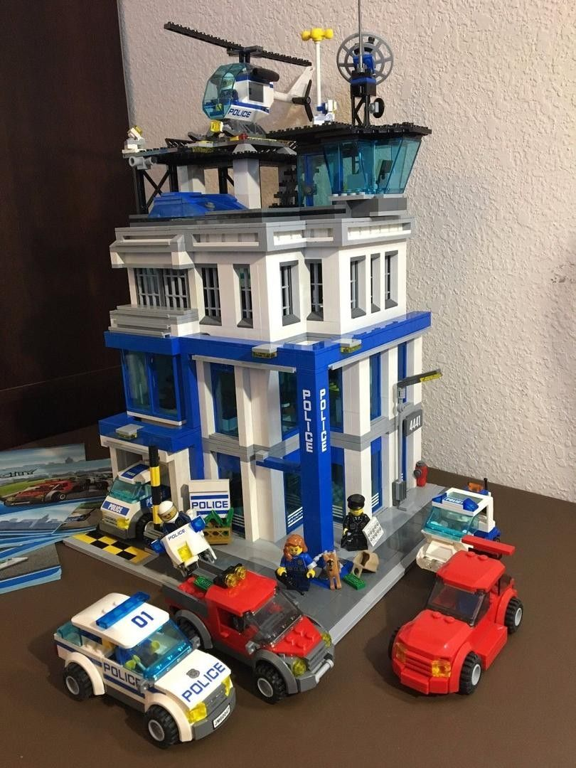 Lego City Train custom Modular Police Station MOC like