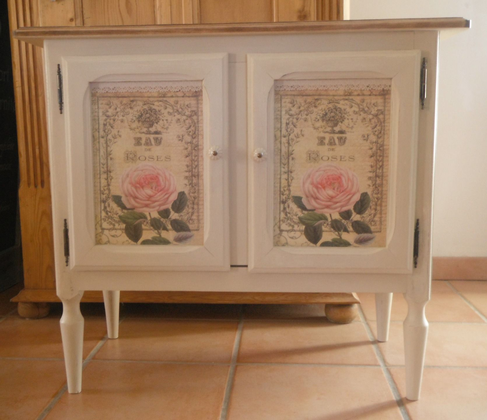 meuble ancien restaur et patin esprit shabby chic et d cor roses anciennes shabby chic et d cor. Black Bedroom Furniture Sets. Home Design Ideas
