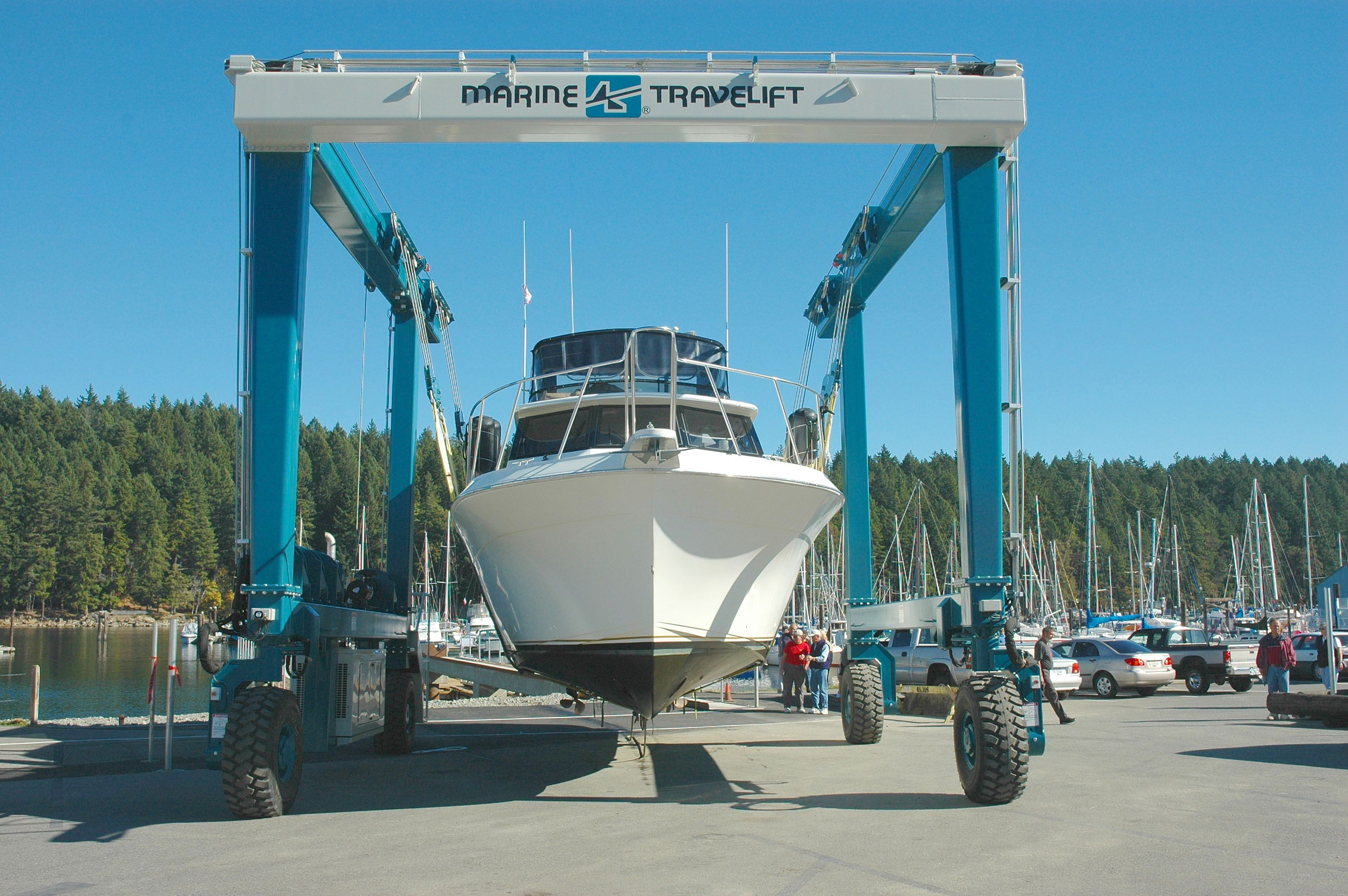 http://www.nanaimoboatyard.ca/yacht-services-2/  Nanaimo Yacht Services' large on site boat repair facility allows us to offer a wide range of services for the boat owner including maintenance, repairs and new installations.