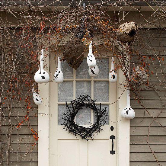 décoration d'Halloween en citrouilles gourdes pour votre porte d'entrée