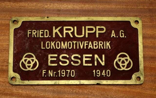Museu Ferroviário Virtual - Placa de fabricante de locomtiovas (Krupp - Alemanha - 1940)