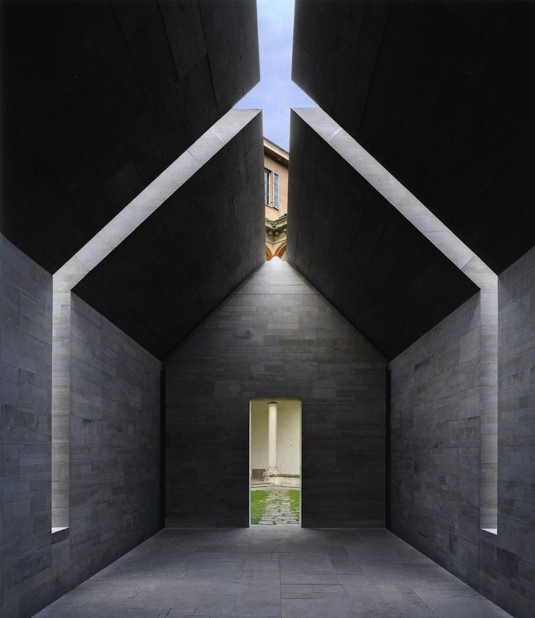 Stone House(2010) byJohn Pawson, a temporary installation in Milan made in collaboration withAlfredo Salvatori Srl photography: Jens Weber