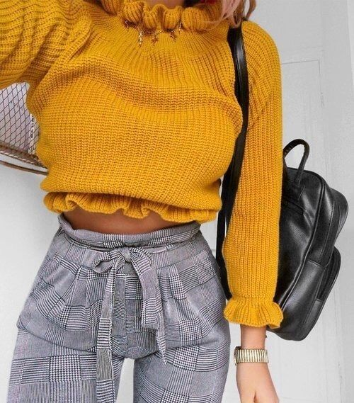 Yellow knit crop with gingham print pants and a leather mini backpack, perfect look for fall of school.