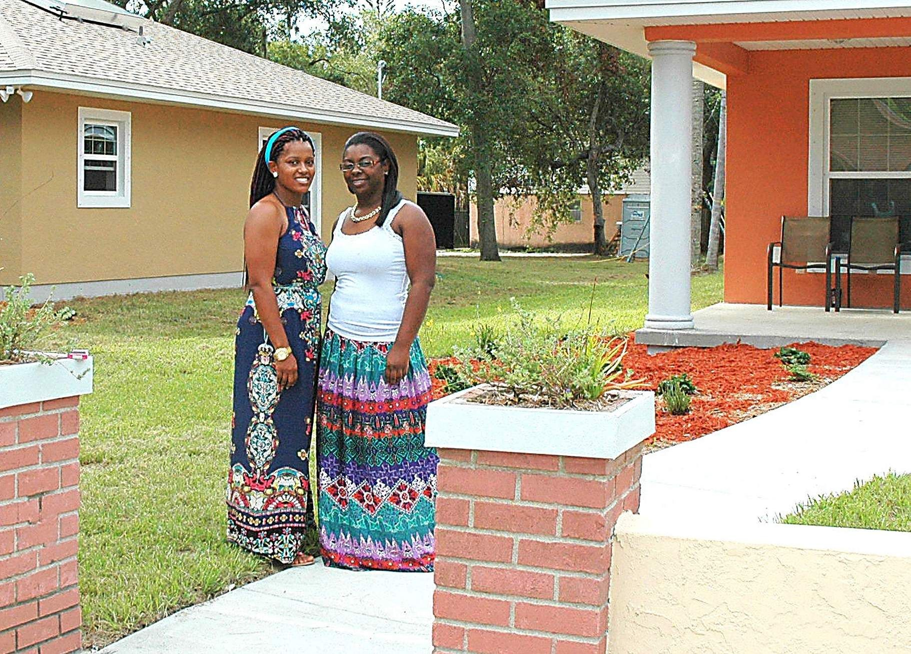Non Profit Debuts Home Fix Up Program In South St Pete Home Fix Habitat For Humanity Debut
