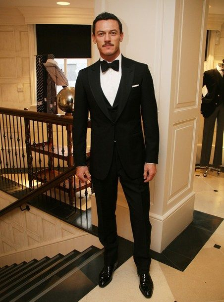 Tom Ford Teaches a 38-Year-Old How to Wear a Tuxedo ...