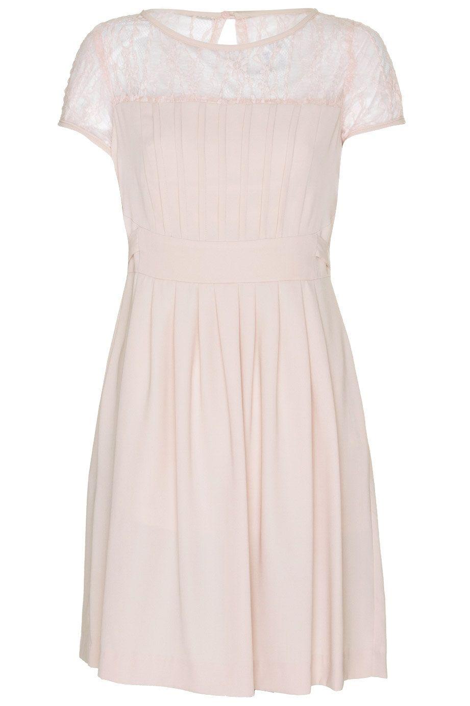 d31f4e12482 Vestido corto con frontal y mangas de encaje y detalle de jaretasy tablas  en la falda