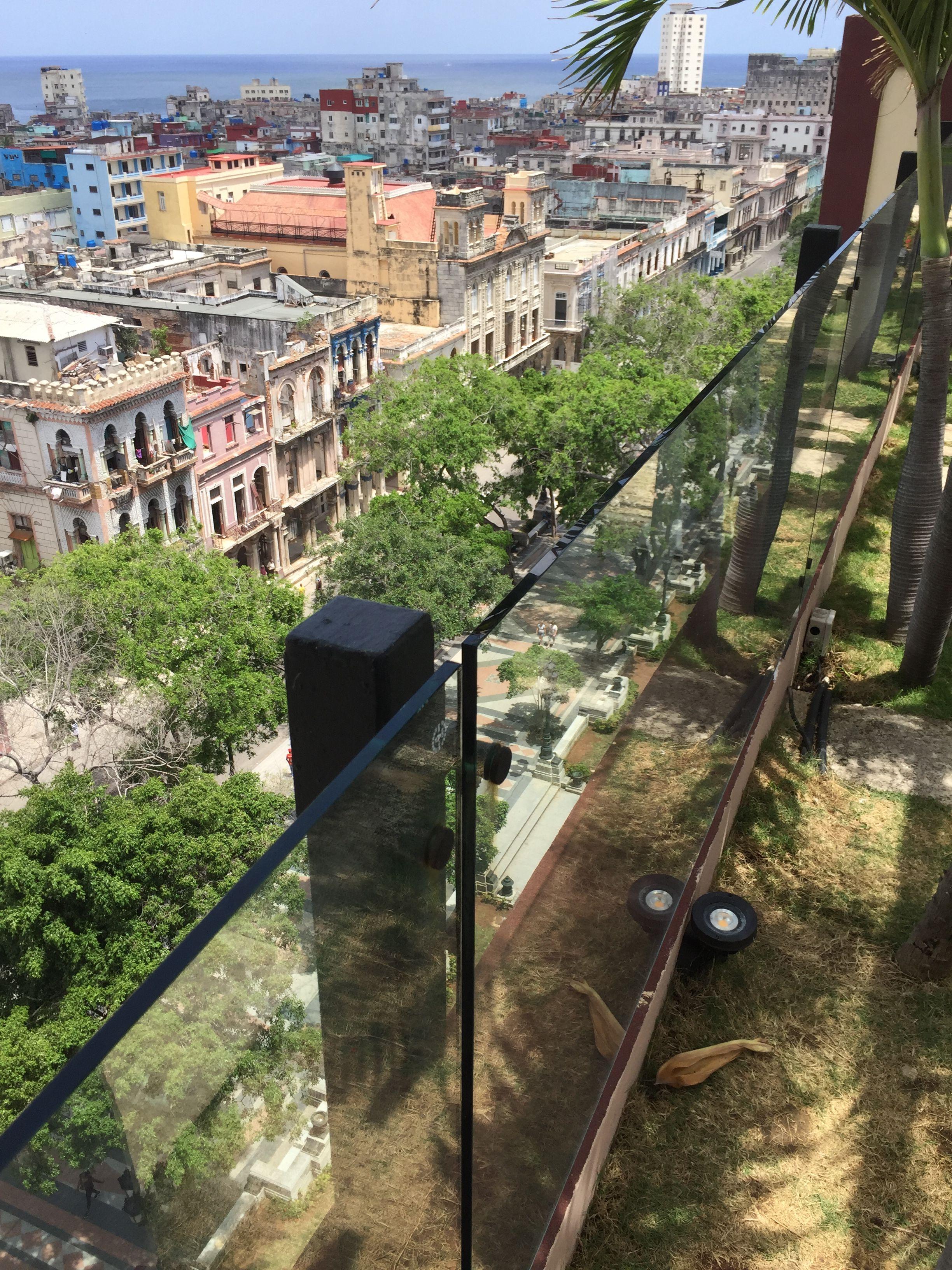 Vista Desde La Terraza Del Hotel Parque Central Cuba Railroad Tracks Railroad