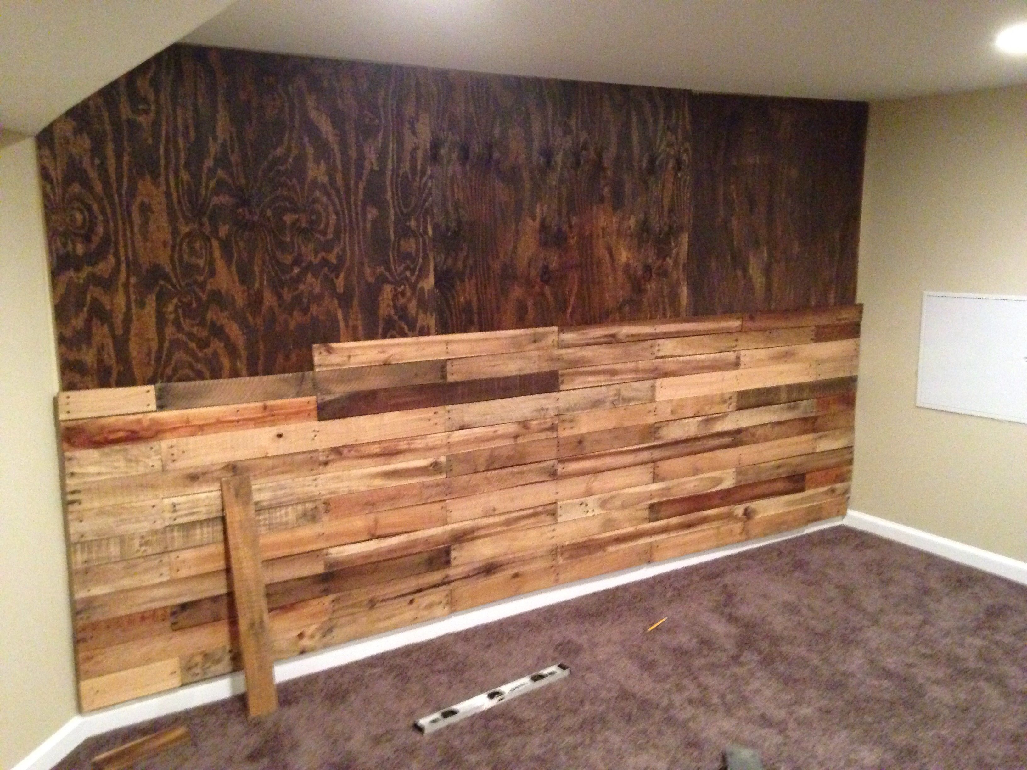 Pallet accent wall! | Pallet accent wall, Wood accents ...