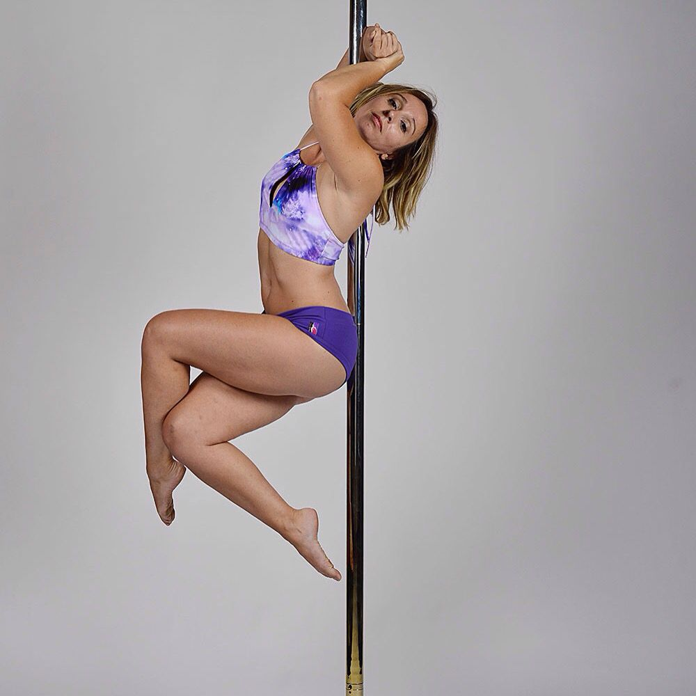 Take a seat honey, we have to talk... Shooting pole dance 2015