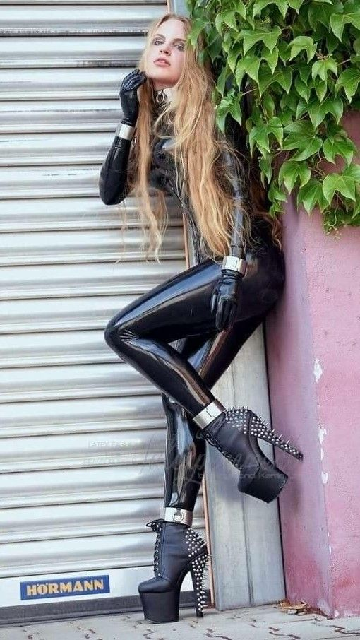 Pin by 1 Mouse King on Shinny in 2019 | Latex, Latex wear ...