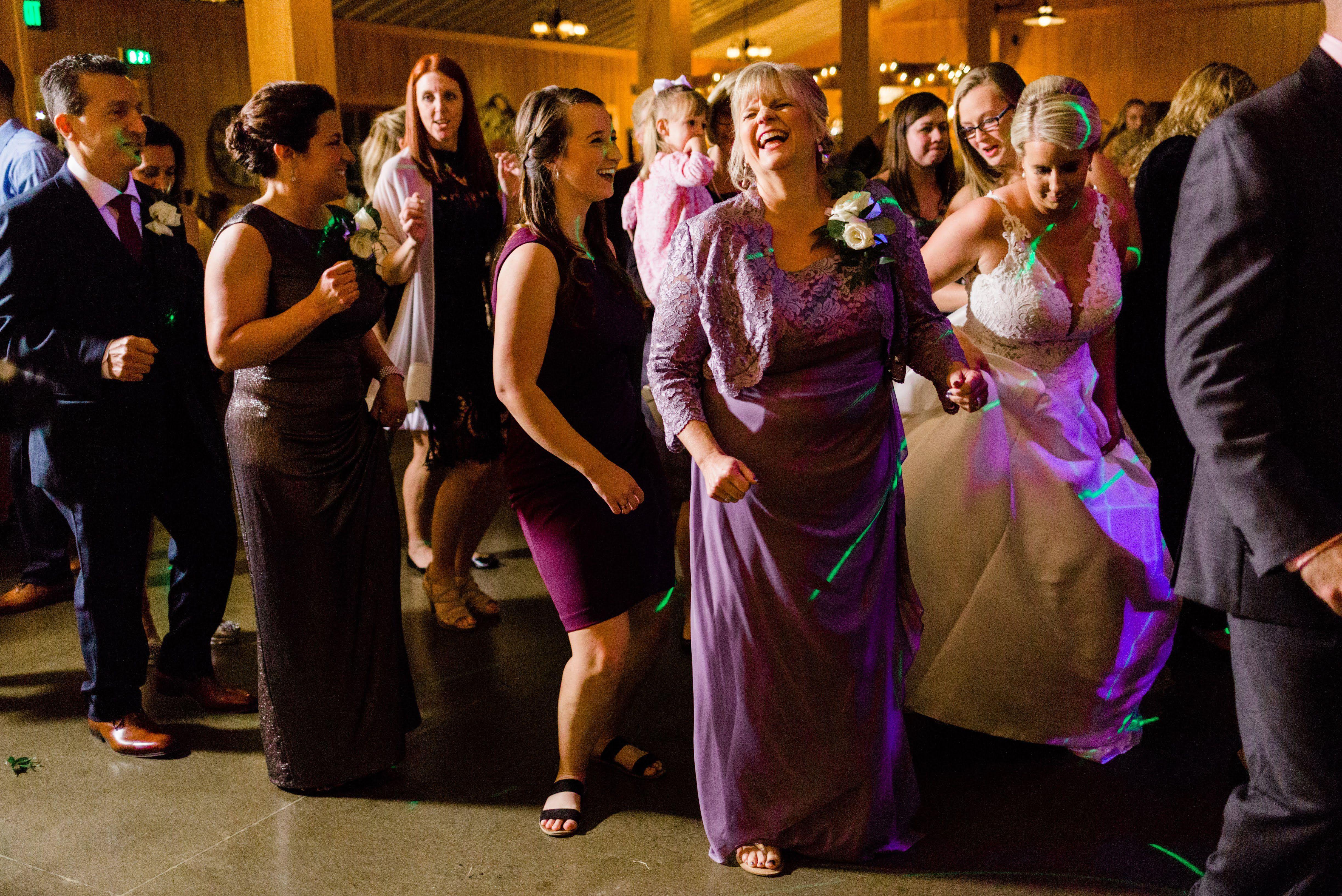 How To Hire A Top Notch Wedding Dj Wedding Dj Wedding Entertainment Wedding Reception Activities
