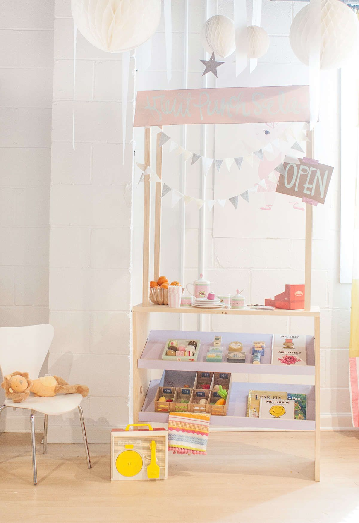 diy grocery stand kaufladen kinderzimmer und kinder. Black Bedroom Furniture Sets. Home Design Ideas