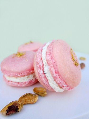 Rose und Pistazien Macarons ...   - Yummy -