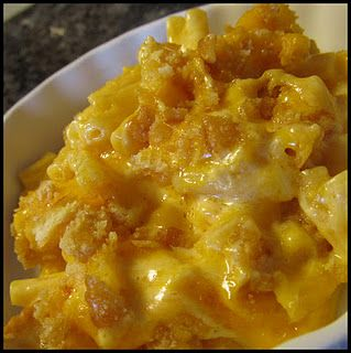 Kraft Mac Cheese Is My Embarrassing Food That I Love I Don T Know Why I Always Have So Yes Adding Sour Cream Sounds Like A S Recipes Food Cooking Recipes