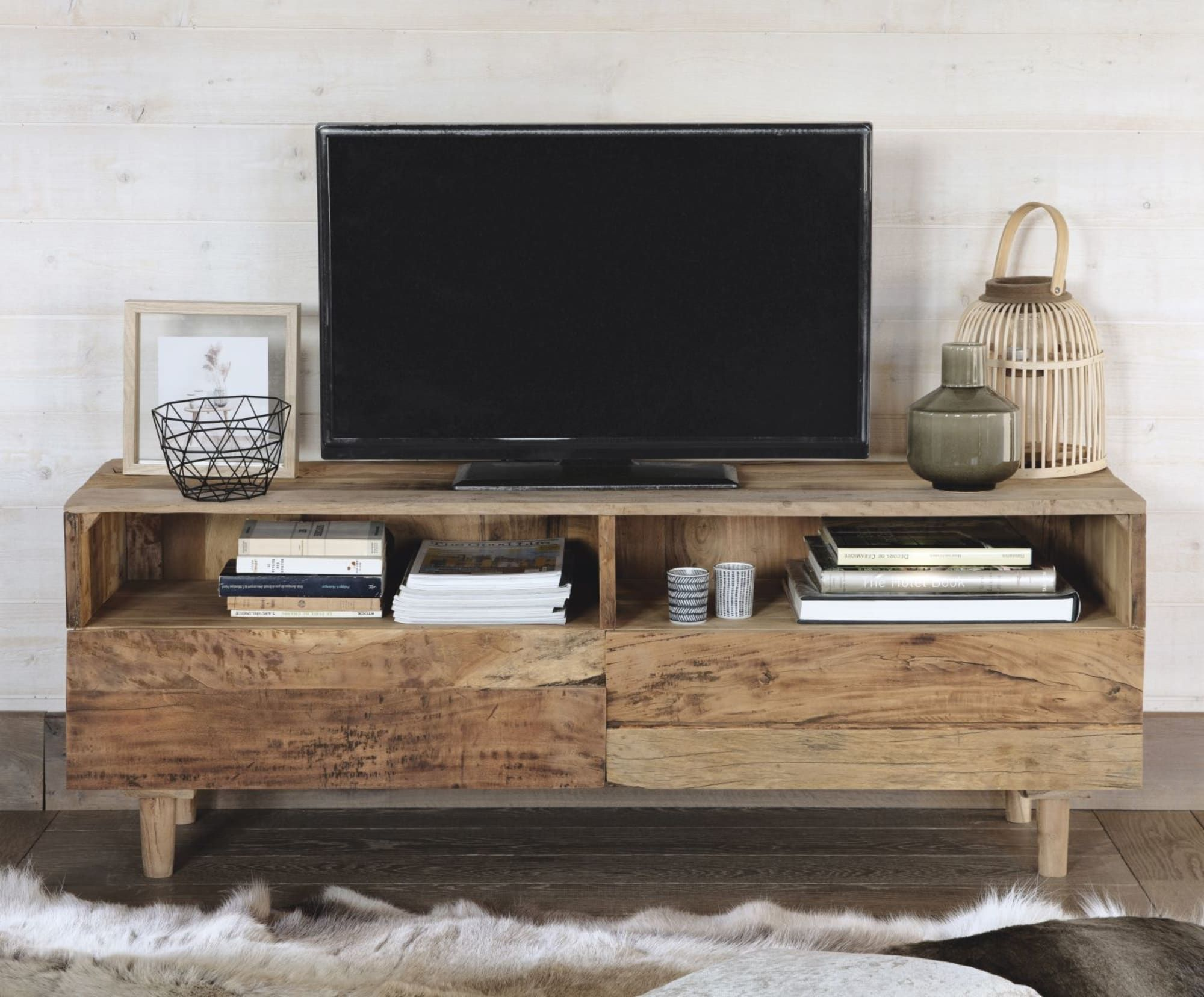 Meuble Tv 2 Tiroirs En Bois Recycles Tennessee Maisons Du Monde Idee Meuble Tv Meubles Faits Maison Idees De Meubles