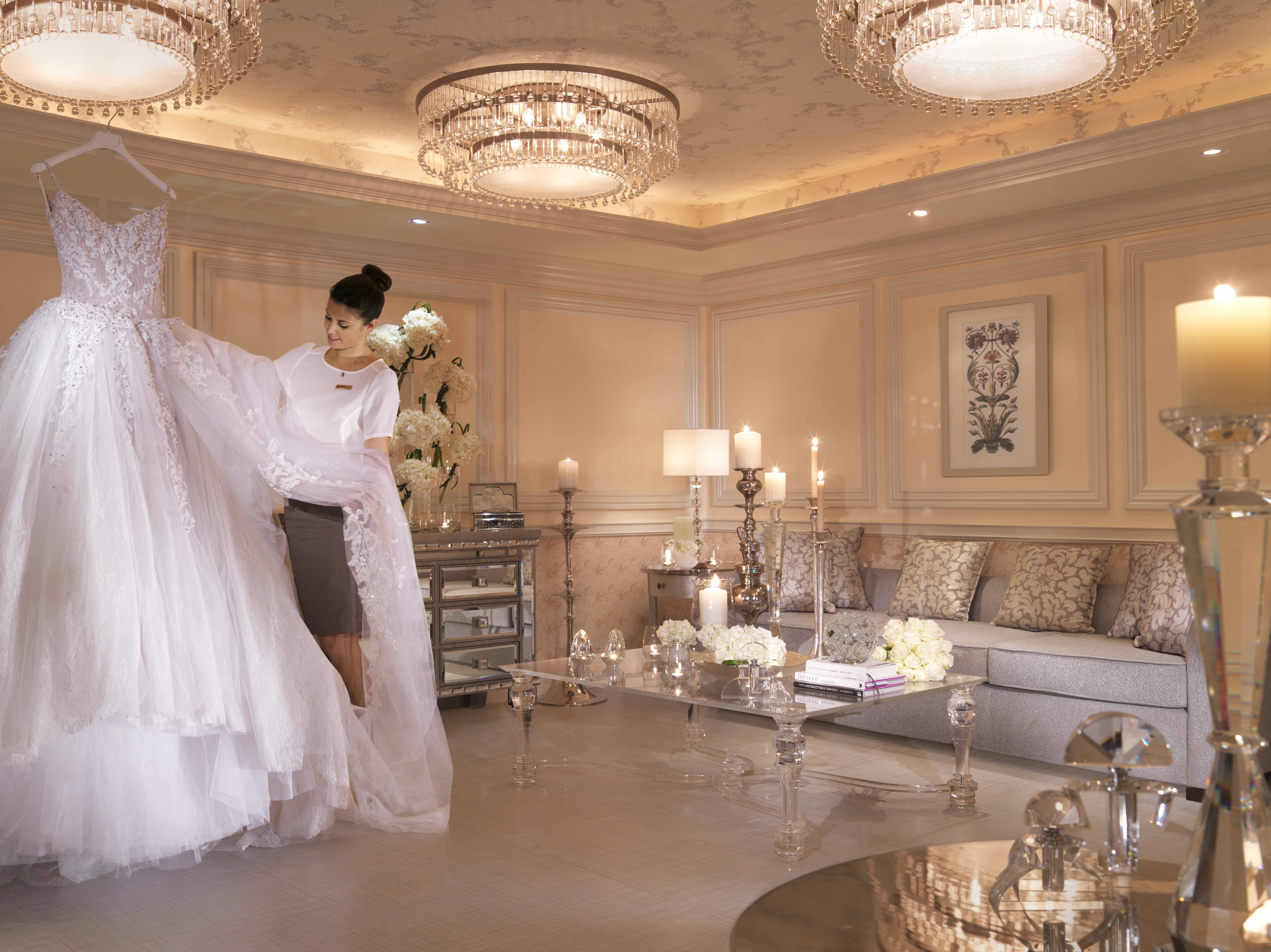 Gorgeous Bridal Boutique Interior A Stunning Dressing Room To Make Every Bride Feel Speci Boutique Interior Boutique Interior Design Bridal Boutique Interior