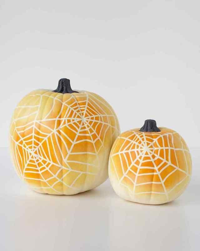 Easy no-carve pumpkin ideas: Spiderweb ombre pumpkins via Martha Stewart. They're not hard at all!
