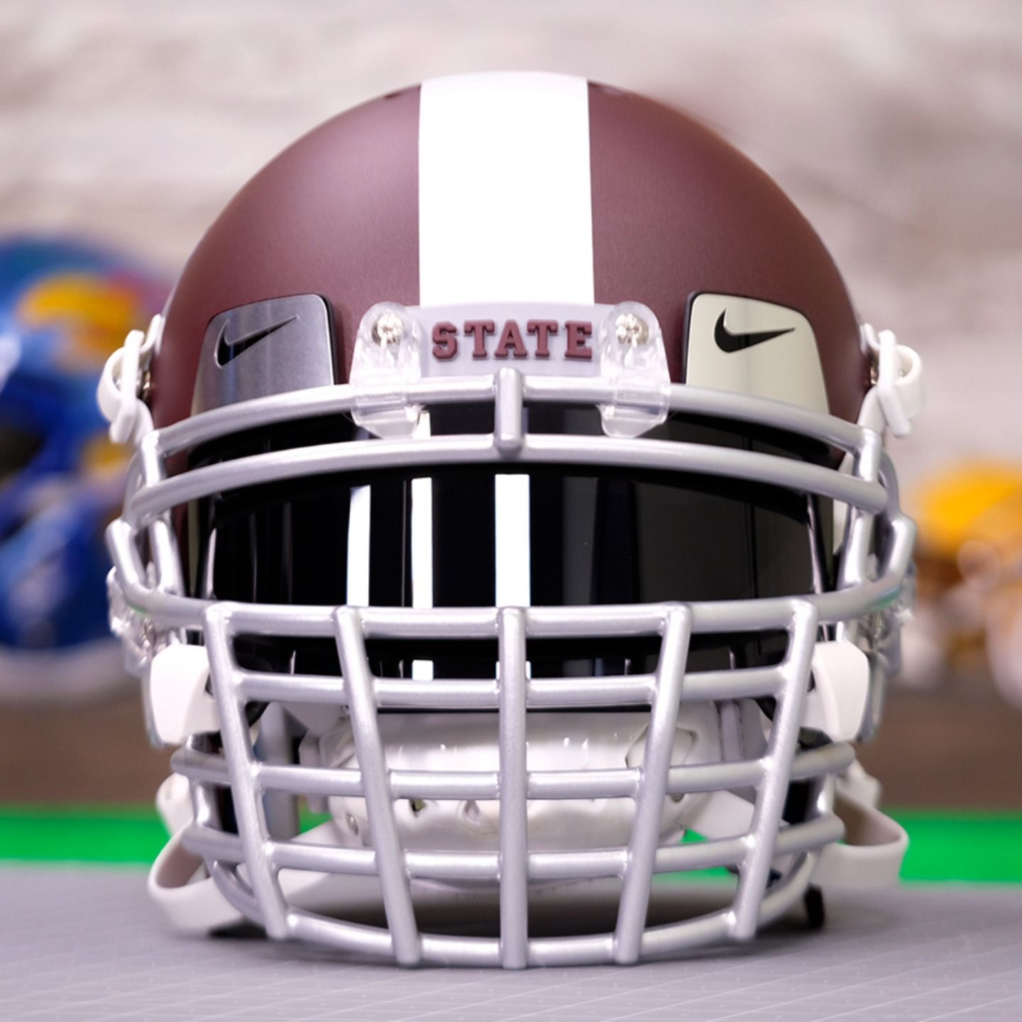 Mississippi State Helmet Gets A Big Grill In 2020 Football Helmets Custom Football Green Gridiron