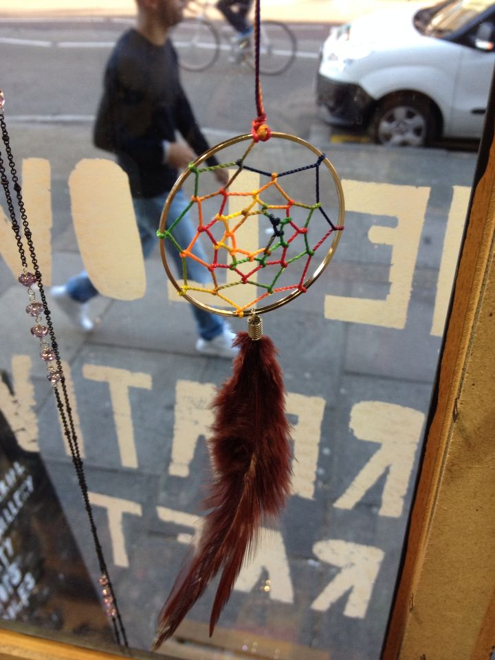 We are gonna make this cute and colorful dream catcher on our craft weekend!! Come and join the day! 4th and 10th Oct at Chois