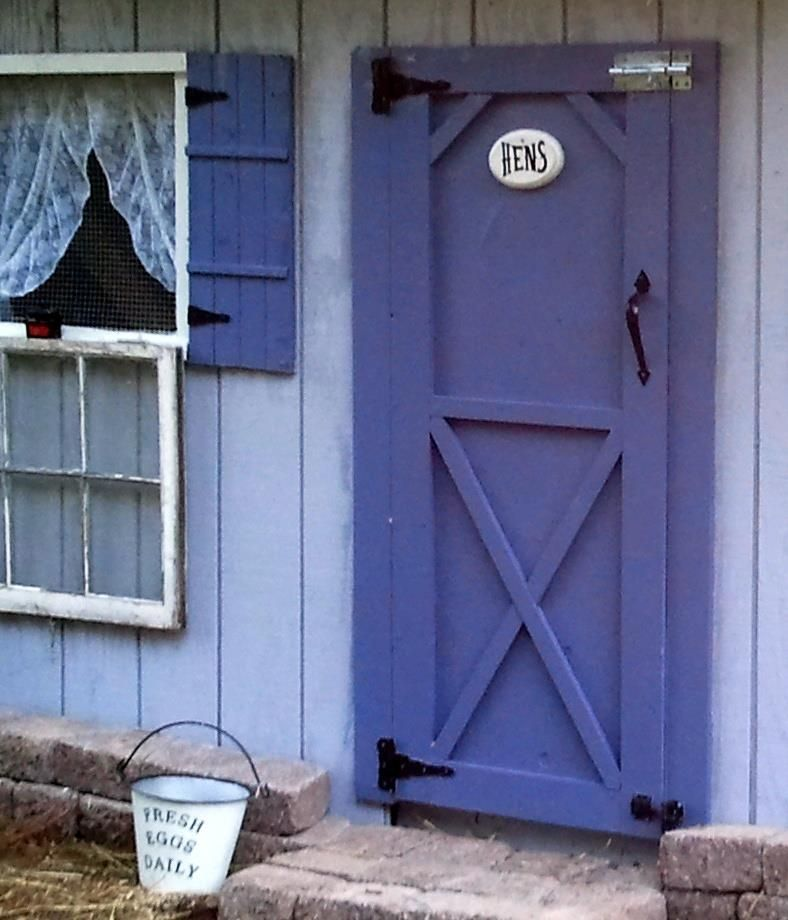 34 Free Chicken Coop Plans Ideas That You Can Build On: Chicken Coop Door........love The Purple!
