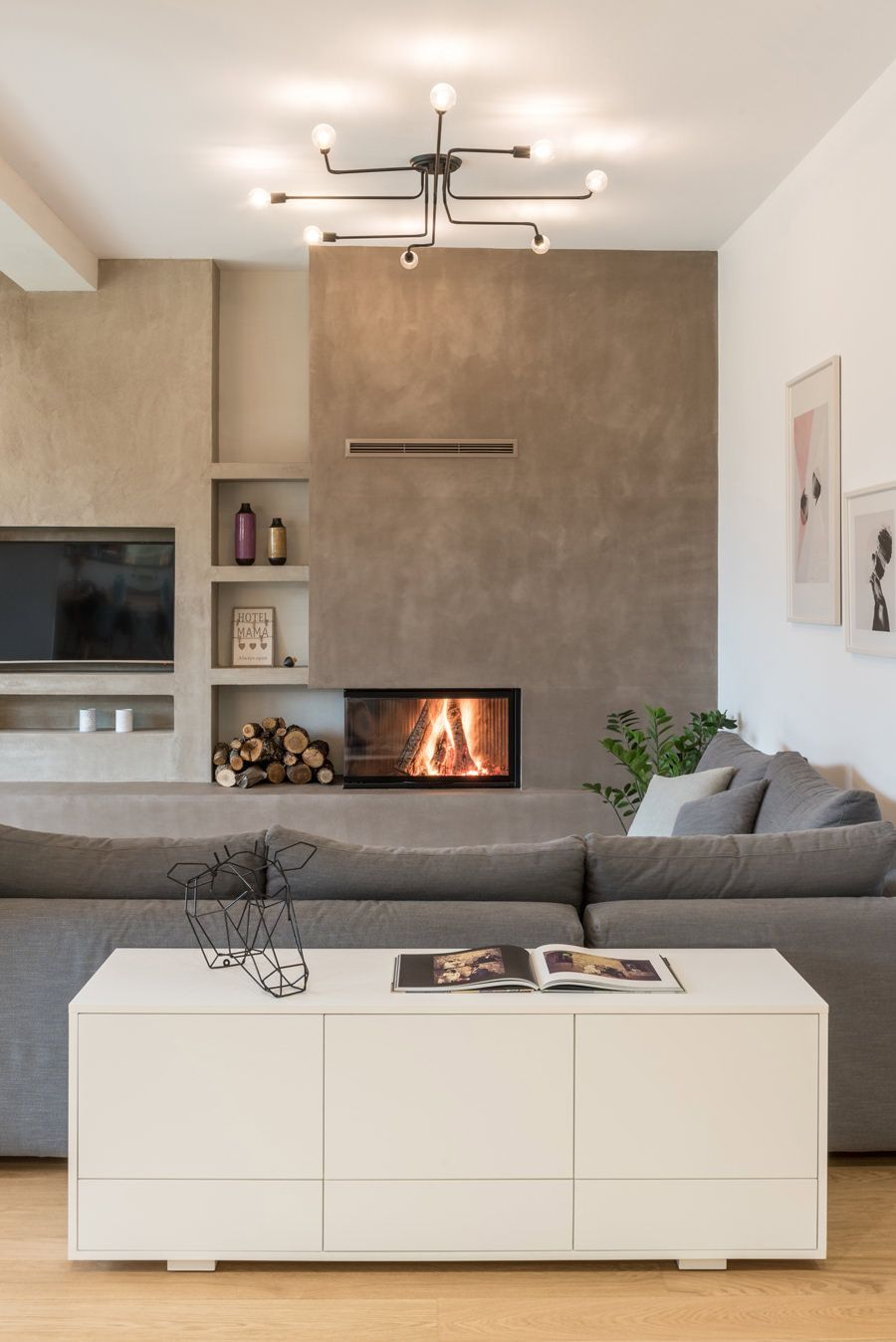 Parete Attrezzata In Cartongesso Per Un Soggiorno Moderno In 2020 Home Fireplace Living Room Designs House Interior