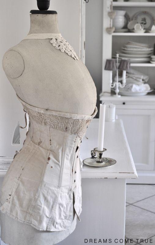 dreams come true kontrast dress forms pinterest schneiderpuppe landhausstil und. Black Bedroom Furniture Sets. Home Design Ideas