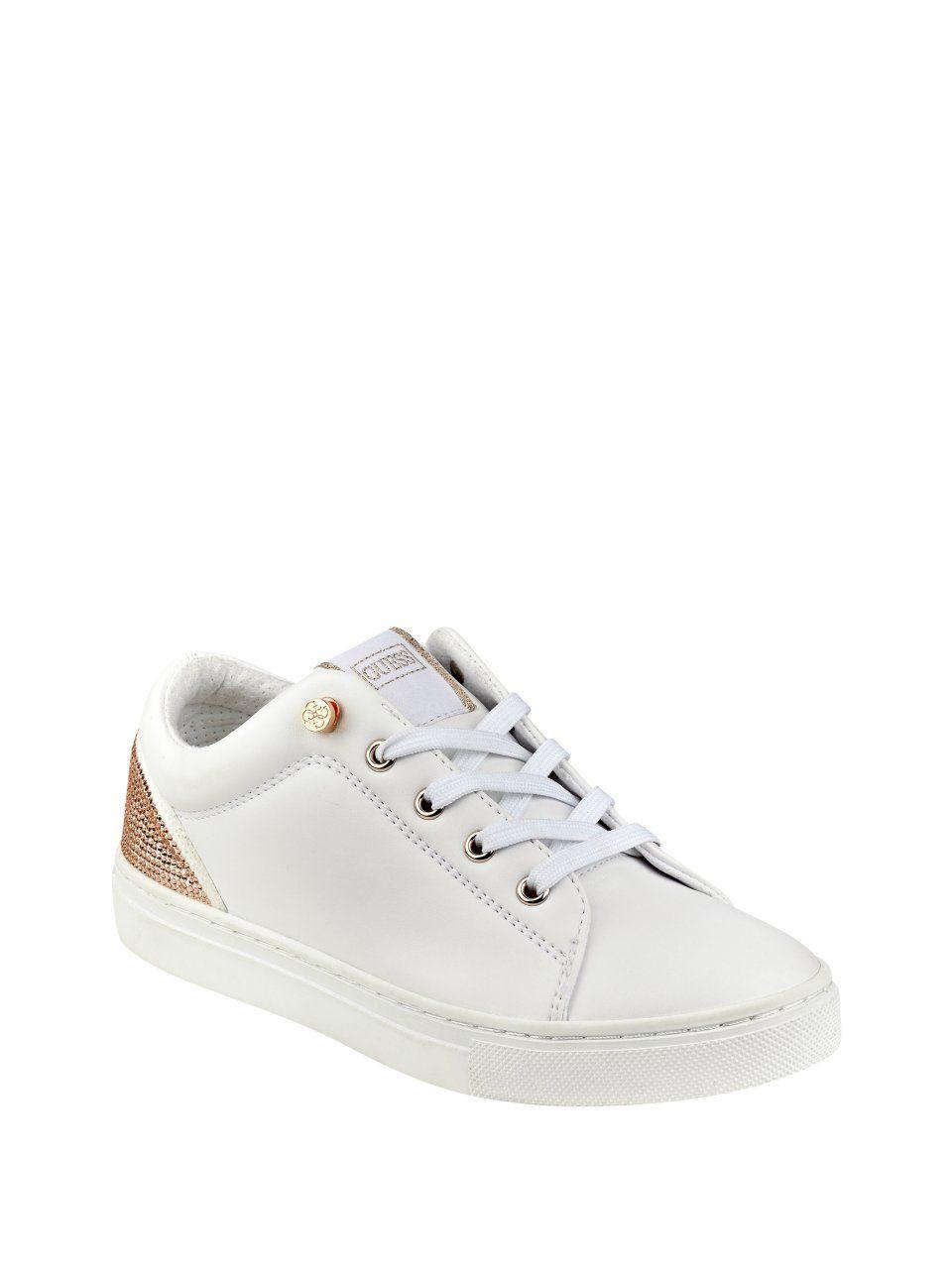 Jollie Low Top Sneakers Sneakers, Gissa kläder, skor  Sneakers, Guess clothing, Shoes