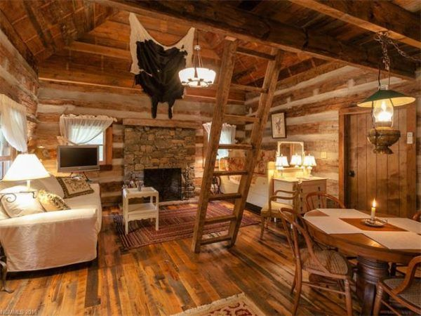 This Is A 477 Sq., Tiny Log Cabin In Green Mountain, North Carolina On A  Thatu0027s For Sale.