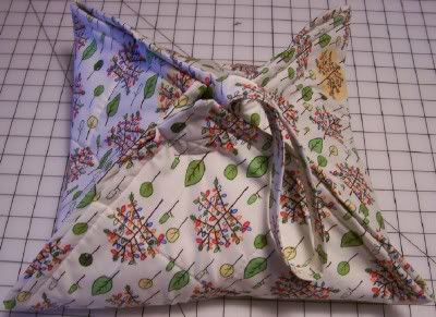 Quilted Insulated Casserole Carrier Tutorial - DL - Sewing Mamas