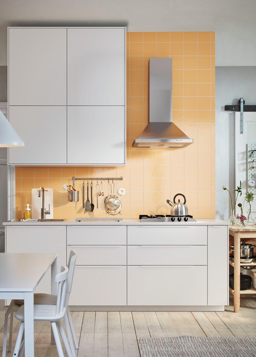 Cuisines Metod Finition Voxtorp Blanc Mat Ikea En 2020 Amenagement Cuisine Cuisine Ouverte Sur Salon Cuisine Ouverte