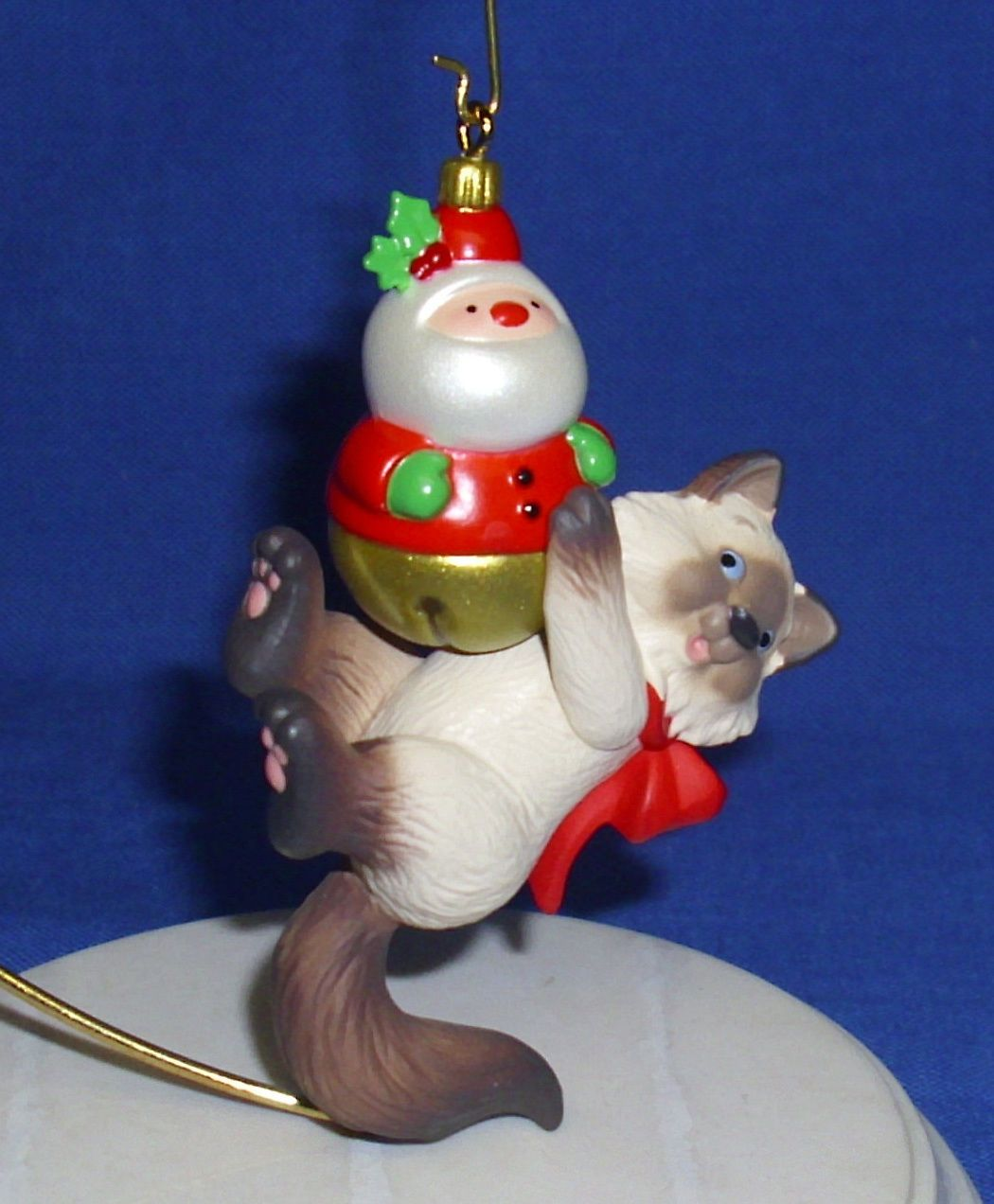 Hallmark Ornament Mischievous Kittens 15 2013 Siamese Cat With Santa Toy Ebay Cat Christmas Ornaments Christmas Clay Hallmark Ornaments