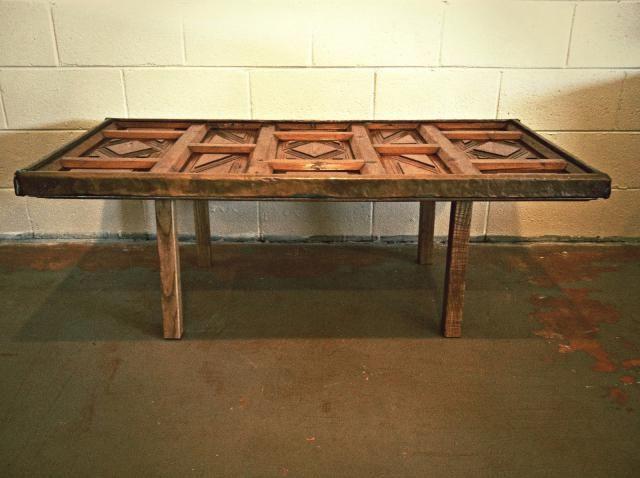 Haz una mesa de comedor con una puerta antigua montuiri for Mesas hechas con puertas antiguas
