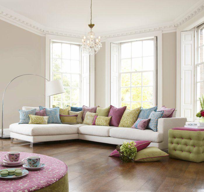 wohnzimmer streichen ideen beiges wohnzimmer farbige dekokissen