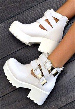 43a297bf4c3c RAEGAN Chunky Heel Biker Style Chelsea Ankle Boots White