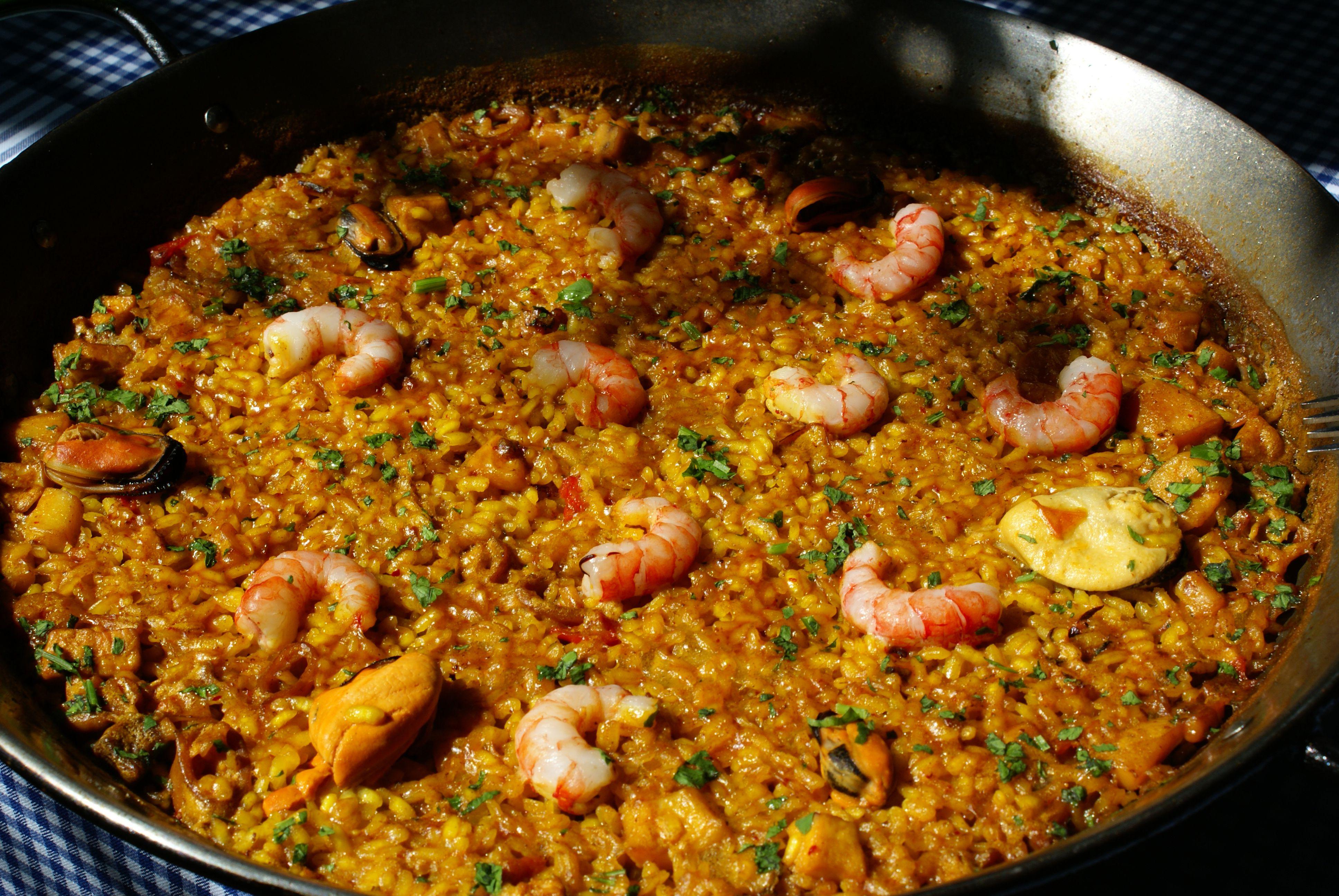 El restaurante mezquida ofrece una cocina tradicional y for Cocina mediterranea