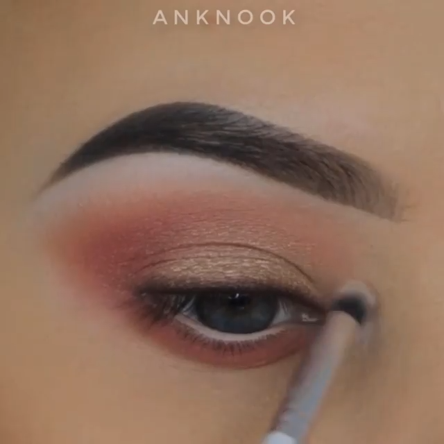 #eyemakeup #eyeshadow #eyemakeupideas #eyemakeuptutorial #makeuptutorials #makeup #eyebeauty #beautymakeup #beauty #beautyhacks #ConcealerTutorial
