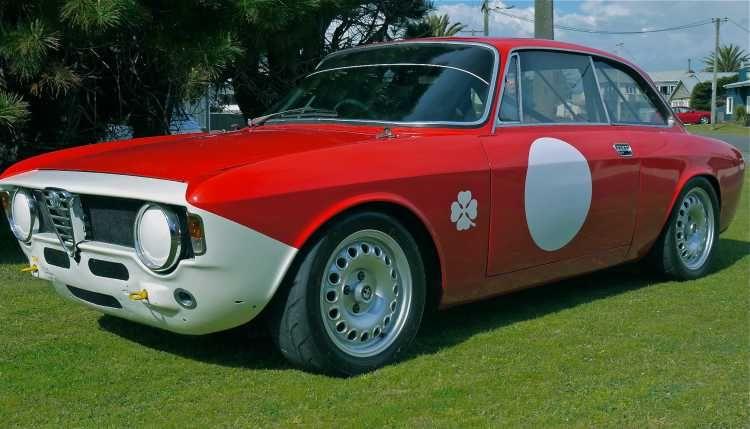 Alfa 105 Gt Junior Historic Race Car Car Classic Race Cars Alfa Romeo