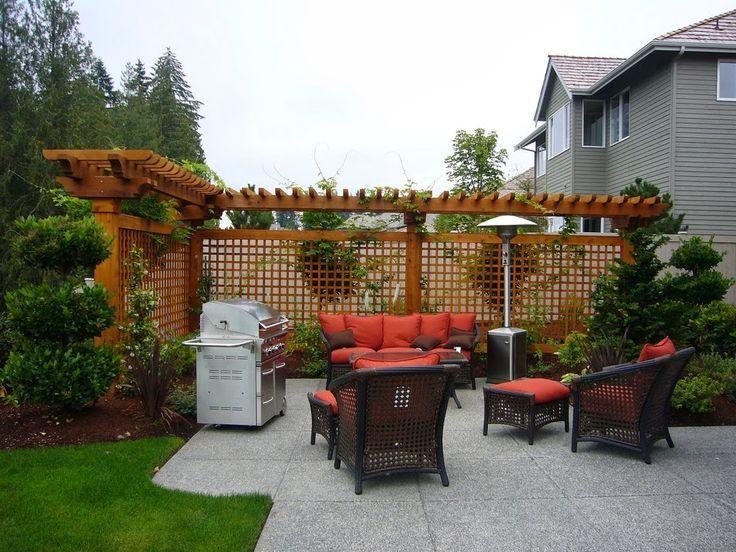 creative of small backyard privacy