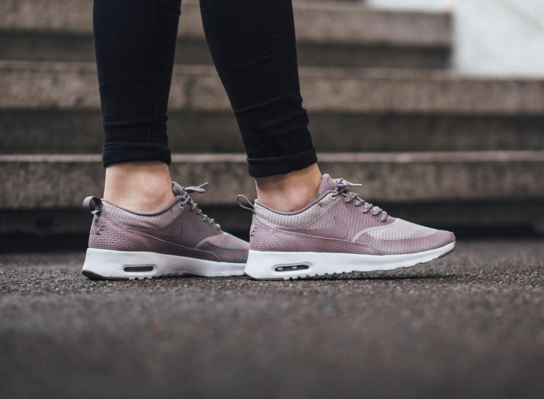 Nike Air Max Thea 2 | Closet Lust | Zapatos, Moda, Deportes