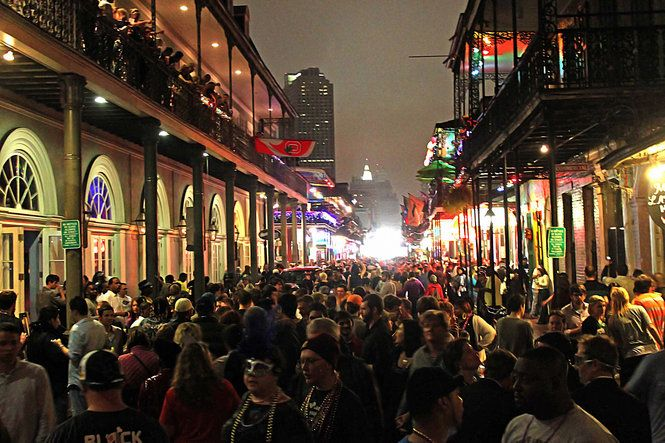 Bourbon Street By Night It Wasn T Nearly This Crowded