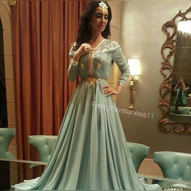 98 Vind Ik Leuks 5 Reacties Mayssa Maghrebi Lovers Mayssa Maghrebi Lovers Op Instagram جلسة تصوير الف Moroccan Dress Moroccan Clothing Moroccan Fashion