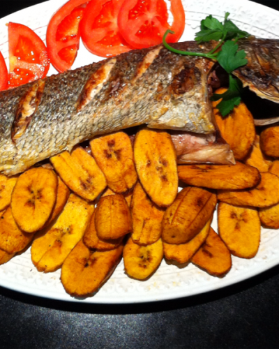Grilled Fish And Plantain Nigerian Dish Nigerian Food African Food Africa Food