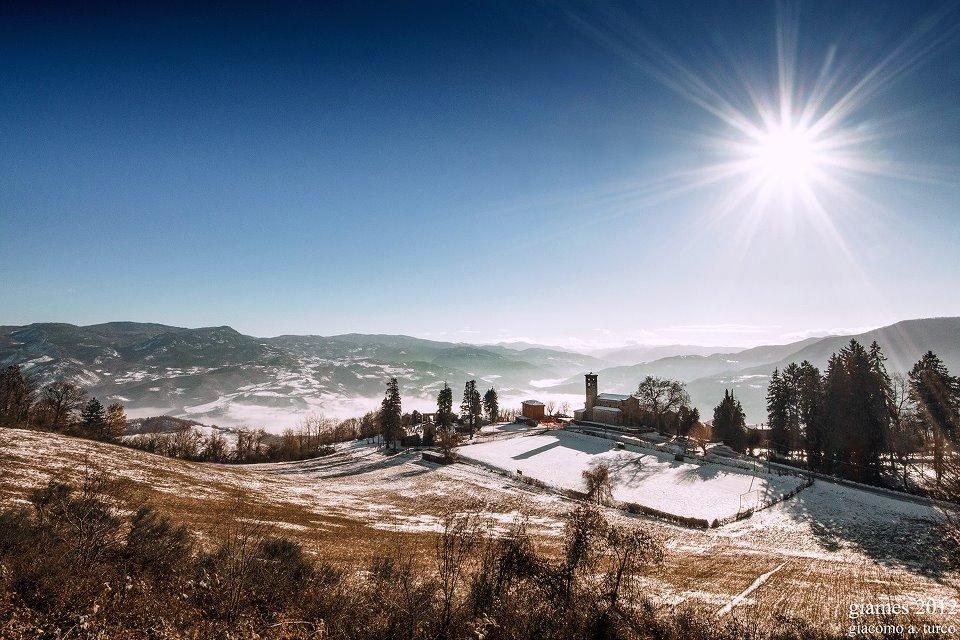 Inverno a Vaccarezza, frazione di Bobbio (Piacenza) by @giames78